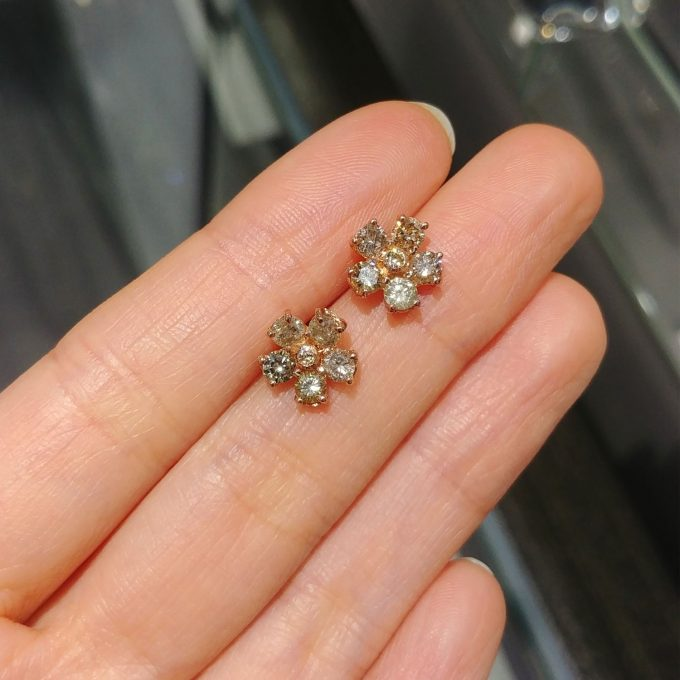 Champagne Flower Studs